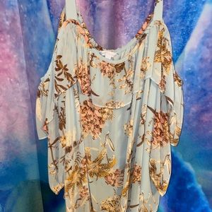 Beautiful flowered cold shoulder top
